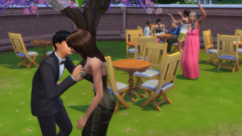 Tabitha Duff cheers as Stacey and Julian kiss